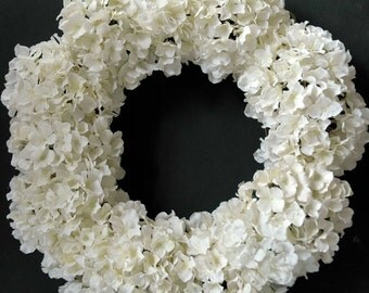 Spring/summer white hydrangea wreath