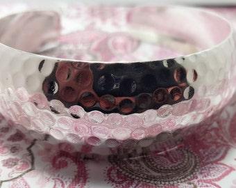 Vintage Ladies Bangle Bracelet Hammered .925 Sterling Silver Cuff Marked