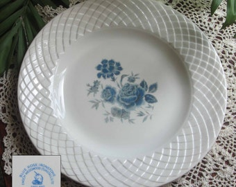 Wedgwood BLUE ROSE Lattice WeaveDesign Dinner Plate - Made in England