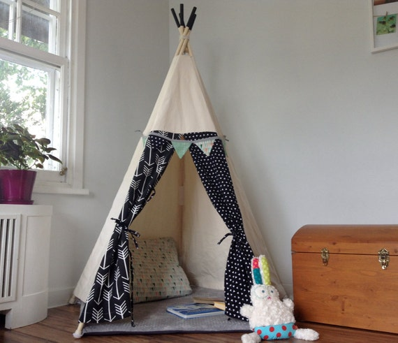 tipi pour enfant cachette cabane tente rep re pour chambre. Black Bedroom Furniture Sets. Home Design Ideas