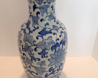 Large blue and white chinoiserie vase