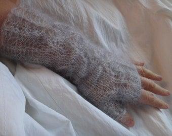 Knitted lace wristwarmer