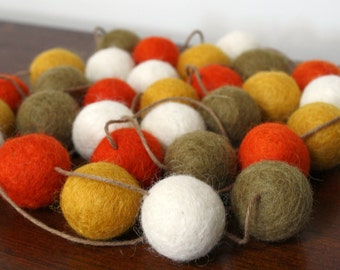 Thanksgiving Felt Ball Garland, Fall Decor, Orange Gold and Brown Pom Pom Garland, Autumn Decoration, Thanksgiving Felt Ball Bunting