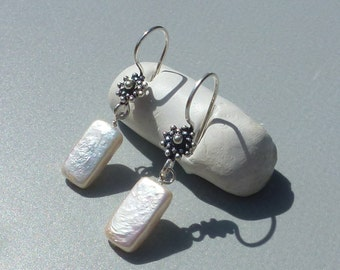 Earrings mother of Pearl flower Silver 925 made in France precious gift not expensive gift cheap easy woman to offer jewelry made in france