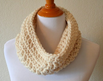 Beige Chunky Cowl, Wool Scarf, Circle Scarf, Neck Warmer, Gifts for Her, Birthday Present, Christmas Gift, Cream, Bulky Cowl
