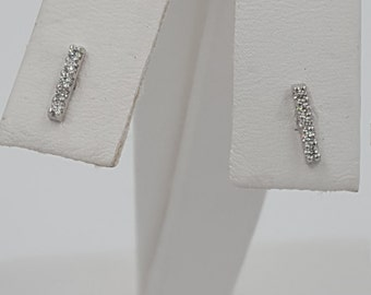 Diamond earring .12 carats 14KT white gold