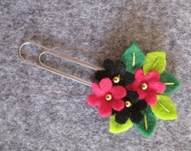 Flower paper clip; Fuchsia,and black flowers; planner clip; planner accessories; Felt paper clip; bookmark; Stocking stuffers; Gift under 5