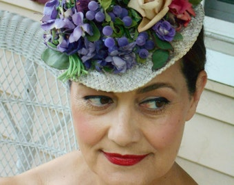 Fabulous 1940's Tilt/Toy Hat with Flowers