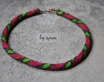 woven seed beads crochet necklace pink and green