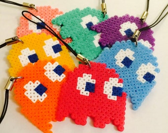 Nintendo Pacman ghost keycharm/magnet. Mini hama/perler bead pixel art creation. Gift/present