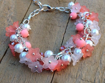 Flower charm bracelet, lucite flower bead bracelet, pink flower bracelet, adjustable flower bracelet, pink floral bracelet, orange flower