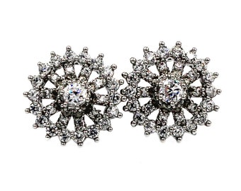 Flashing crystal silver earrings