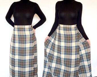 Pleated tartan vintage maxi skirt.
