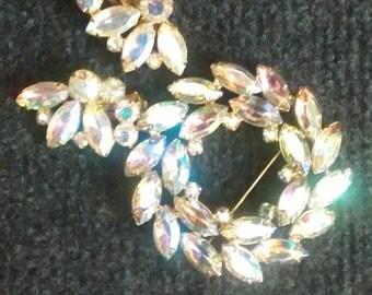 Wreath brooch and earrings
