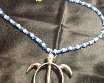 """14"""" beaded necklace with turtle pendant"""