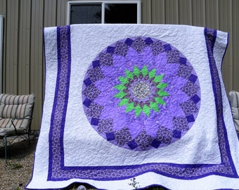 "Purple Dahlia Queen size quilt 88"" x 102"""