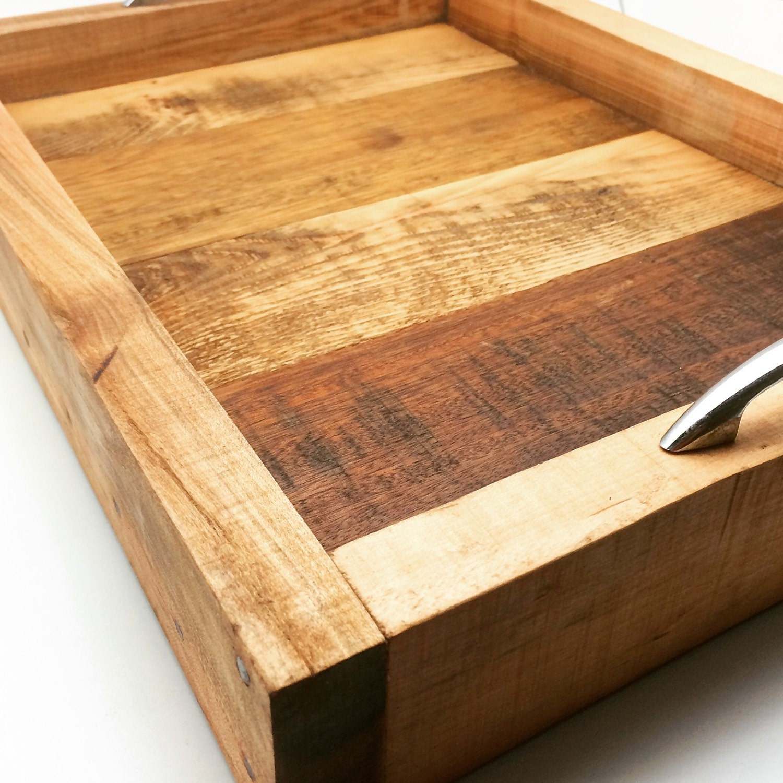 bois r cup r plateau cabaret en bois recycl de service. Black Bedroom Furniture Sets. Home Design Ideas