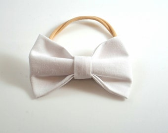 White Bow Headband. Baby Headband. Toddler Headband. Newborn Headband. White Toddler Bow. Newborn Photo Prop. White Baby Bow. Baby Hair Bow.