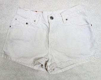 90s Shorts Low Rise 511 Levis Denim Shorts// Junior Shorts Size 9 // White Denim Short Shorts Levis
