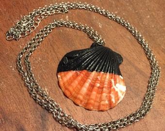 Scallop Seashell Necklace - Black