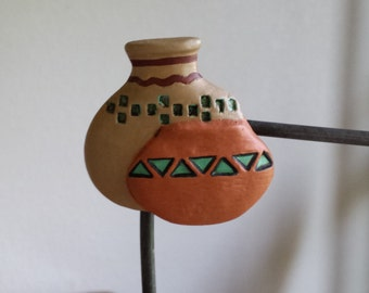 Ceramic Pots Magnet (#76E) - Largge Tan Pot with turquoise and brown trim
