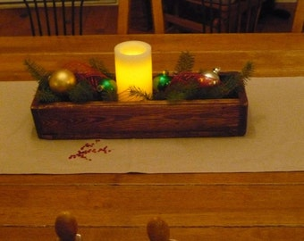 Wooden table Centre