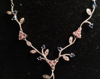 Beautiful 925 sterling silver necklace with gem