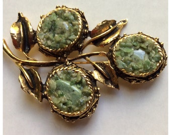 Vintage jade chip floral theme brooch