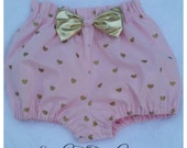 Bloomers in pink cotton with metallic gold hearts featuring a shiny gold bow on the front 0-3 months to 5T
