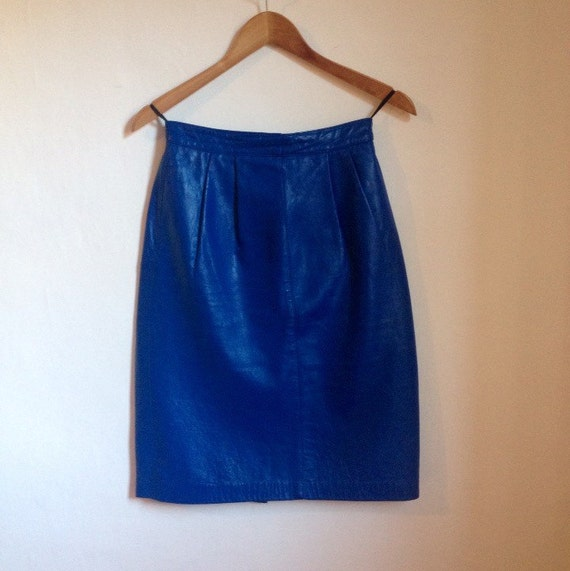 skirt vintage 1980s blue faux leather pvc by alphafrogvintage