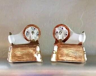 Vintage Spinning Wheel Salt and Pepper Shakers Tilso Japan