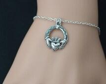 claddagh bracelet, silver claddagh charm, love, loyalty, friendship symbol, love jewelry, mother daughter bracelet, adjustable bracelet