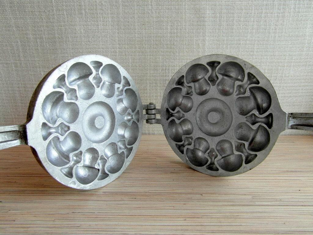 Cake Decorating Chocolate Molds : Rare Soviet 3D Cast Iron Pan Mushroom Cake Pan Bakeware ...