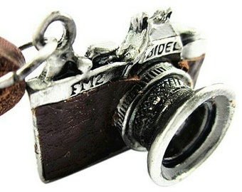 Vintage Camera Necklace: Genuine Leather!