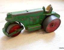 Vintage Dinky Toys Aveling Barford road roller dinky green roller dinky toys 1940s meccano diecast Dinky toys die-cast aveling barford D00