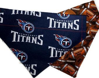 Tennessee Titans Over the Collar Dog Bandana // Titans Football Reversible Dog Bandanna // Tennessee Titans Fan Dog Gift // Nashville Gift