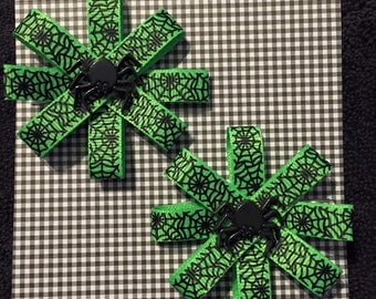 Green Spider Halloween Hair Bow Set, Hair Bows, Girls Hair Bows, Toddler Hair Bows, Hair Clips, Baby girl Bows, Shower Gift