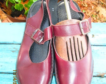 Zeeta Portugese leather Mary Jane style open back strapped earth shoe. Size EU 41 US 10 WIDE. Cordovan brown leather.