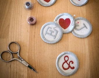 Typewriter button style embroidered letter or symbol sew-on patch - 5 cm / 2 in in diameter