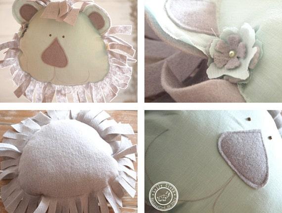Lion kissen baby kissen könig der löwen kinderzimmer von lollycloth