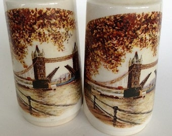 VINTAGE London Bridge Salt and Pepper Shakers