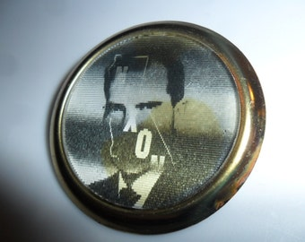 """1962 California Nixon Governor GOP Flasher Political Campaign By Dimensional Research Burlingame California Flasher Pin/Button 1 3/8"""" Scarce"""