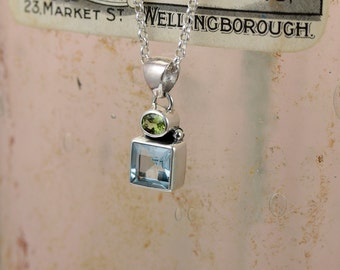 Forget-me-not Sterling Silver Blue Topaz & Peridot Necklace / Square / Flower / Natural Stone / Pendant