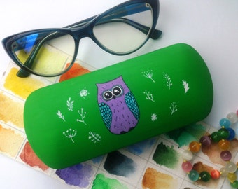 Cute glasses case Owl - Owl eyewear - Gift for girlfriend - gift for friends - Owl art - Owl glasses case - Owl hard case