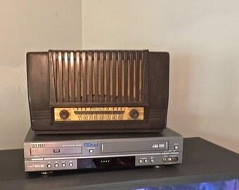 Vintage Philco Tube Radio Model 49-101