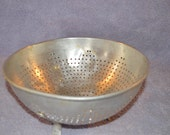 Vintage Sturdy Perforated Aluminum Footed Strainer Colander Mid Century Retro Kitchen