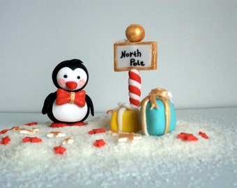 Christmas Fondant Penguin Cake Topper, Christmas Cake Decor,Winter Wonderland Penguin with Presents at the North Pole with Stars, Edible