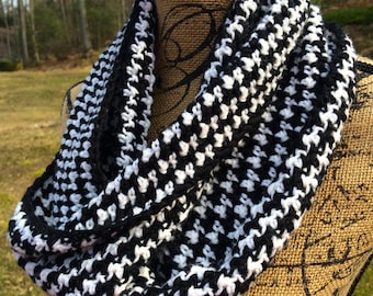 Pattern Only: Houndstooth Cowl/ Infinity Scarf- PATTERN ONLY