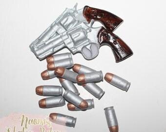 2x Guns 15x Bullests  Edible Fondant Cake Topper