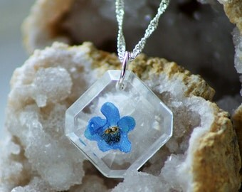 FORGET ME NOT necklace - Transparent Resin Jewelry With Real Flowers